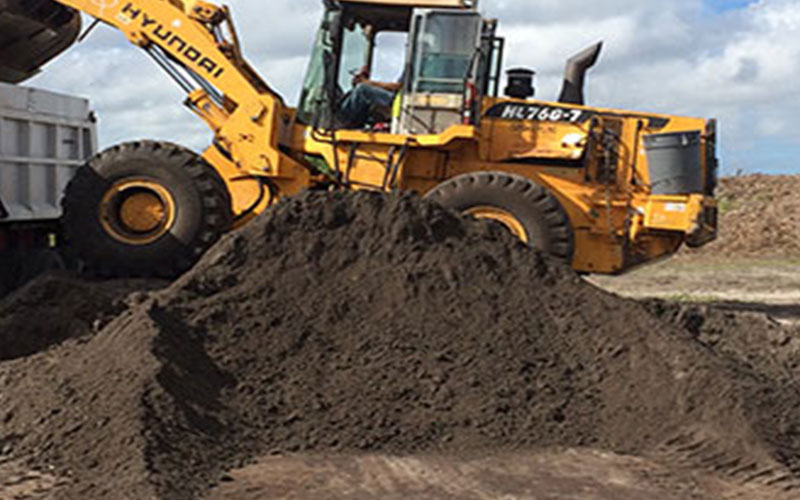 Topsoil for sale awesome lawn and soil spreading for Garden soil for sale